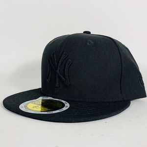 All Black NY Yankees Fitted Baseball Cap Hat